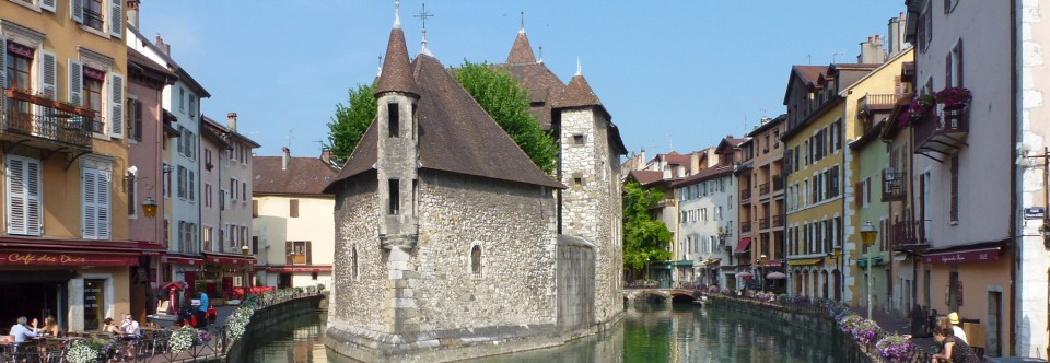 French style: inspiration from Rhone-Alpes, France